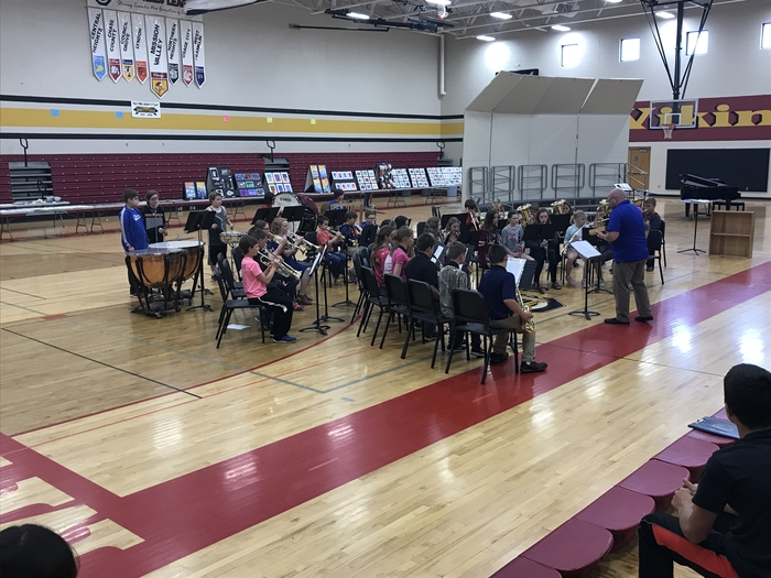 5th grade band performing