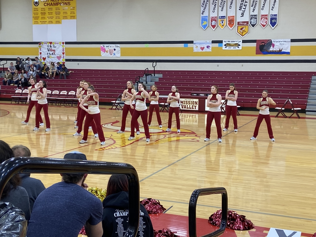 MV DANCE TEAM Performing